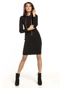 Czarna sukienka dzianinowa Tessita z kapturem, sportowa, sportowa