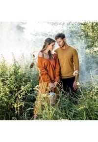 Brązowy sweter VEVA z dekoltem w serek