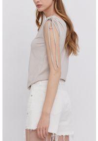 Answear Lab - Szorty jeansowe bawełniane. Okazja: na co dzień. Stan: podwyższony. Kolor: biały. Materiał: jeans, bawełna. Styl: wakacyjny
