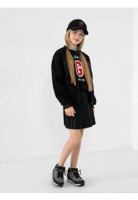 4f - Spódniczka plisowana dziewczęca. Okazja: na co dzień. Kolor: czarny. Materiał: materiał. Typ sukienki: proste. Styl: casual