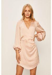 Różowa sukienka Pepe Jeans na co dzień, casualowa, rozkloszowana