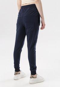Born2be - Granatowe Spodnie Dresowe Marilori. Kolor: niebieski. Materiał: dresówka