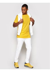 Fila T-Shirt Unwind 682201 Żółty Regular Fit. Kolor: żółty #4