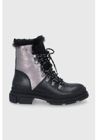 Cross Jeans - Botki. Nosek buta: okrągły. Kolor: czarny. Obcas: na obcasie. Wysokość obcasa: niski