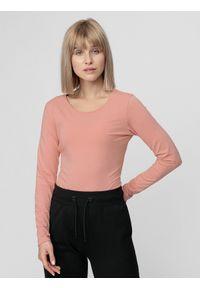 4f - Longsleeve damski. Kolor: różowy. Materiał: bawełna, dzianina. Długość rękawa: długi rękaw