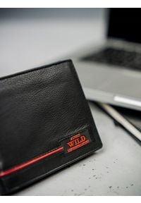 ALWAYS WILD - Portfel męski skórzany Always Wild N922-RB. Kolor: wielokolorowy, czerwony, czarny. Materiał: skóra