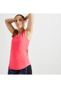DOMYOS - Koszulka fitness damska Domyos bez rękawów. Kolor: biały, wielokolorowy, czerwony, różowy. Materiał: poliester, elastan, materiał. Długość rękawa: bez rękawów. Długość: długie. Sport: fitness