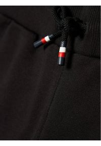 TOMMY HILFIGER - Tommy Hilfiger Spodnie dresowe Essential KS0KS00214 Czarny Regular Fit. Kolor: czarny. Materiał: dresówka