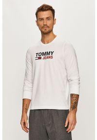 Biała koszulka z długim rękawem Tommy Jeans casualowa, na co dzień, z nadrukiem