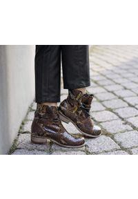 Botki Zapato z okrągłym noskiem, z cholewką, w kolorowe wzory, bez zapięcia