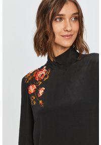 Czarna sukienka Desigual mini, prosta, z nadrukiem