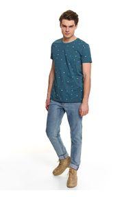 Niebieski t-shirt TOP SECRET z krótkim rękawem, na lato, z nadrukiem