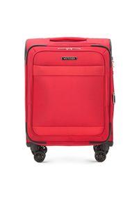 Czerwona walizka Wittchen w kolorowe wzory