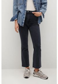 Szare jeansy bootcut mango