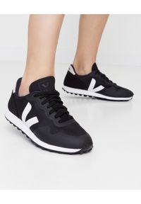 Veja - VEJA - Czarne sneakersy SDU RT. Okazja: na co dzień. Kolor: czarny. Materiał: materiał, guma. Wzór: aplikacja