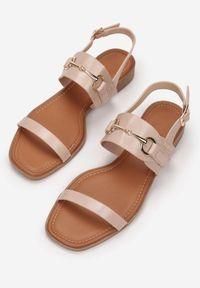 Born2be - Różowe Sandały Echinea. Kolor: różowy