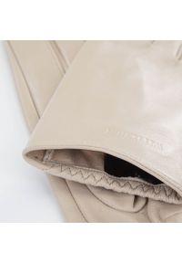 Wittchen - Damskie rękawiczki z gładkiej skóry. Kolor: kremowy. Materiał: skóra. Wzór: gładki. Styl: elegancki