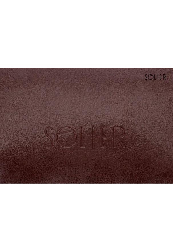 Solier - Elegancka skórzana kosmetyczka męska SOLIER burgundowa. Kolor: czerwony. Materiał: skóra. Wzór: gładki