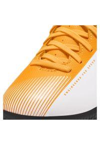Buty halowe dla dzieci Nike Mercurial Vapor 13 Club IN AT8169. Zapięcie: sznurówki. Materiał: syntetyk, skóra. Szerokość cholewki: normalna