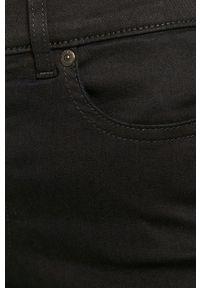 Niebieskie jeansy Hugo w kolorowe wzory