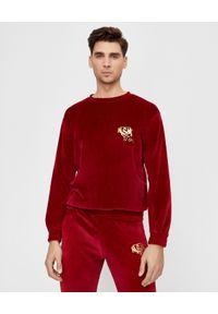 JOANNA MUZYK - Aksamitna bluza z logo MSM. Kolor: czerwony. Materiał: dresówka, materiał, bawełna