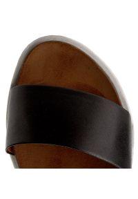 Nessi - Sandały NESSI - 63905 Czarny 11. Okazja: na co dzień. Kolor: czarny. Materiał: skóra. Sezon: lato. Styl: casual