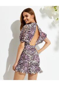ROCOCO SAND - Fioletowa sukienka mini. Kolor: biały. Materiał: wiskoza. Wzór: kwiaty, aplikacja, nadruk. Długość: mini