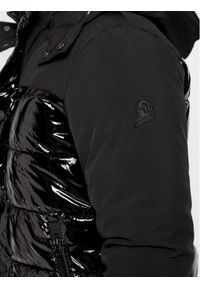 Czarna kurtka puchowa Invicta