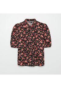 Cropp - Koszula w kwiaty - Czarny. Kolor: czarny. Wzór: kwiaty