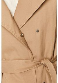 Beżowy płaszcz medicine na co dzień, raglanowy rękaw, z klasycznym kołnierzykiem, casualowy