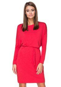 Tessita - Czerwona Sukienka z Wiązanym Paskiem. Kolor: czerwony. Materiał: wiskoza, elastan, akryl