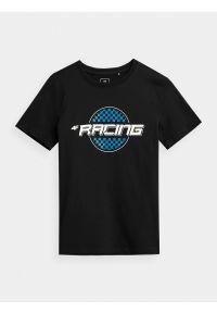 4f - T-shirt z nadrukiem chłopięcy. Kolor: czarny. Materiał: bawełna, dzianina, materiał. Wzór: nadruk