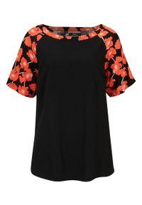 Bluzka shirtowa z rozcięciami po bokach, z przyjaznej dla środowiska wiskozy bonprix czarno-mandarynkowy w kwiaty. Kolor: czarny. Materiał: wiskoza. Wzór: kwiaty