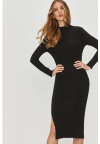 Czarna sukienka Answear Lab midi, na co dzień, wakacyjna, z długim rękawem
