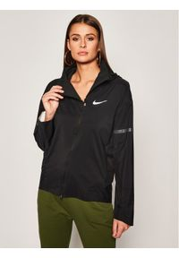 Czarna kurtka do biegania Nike