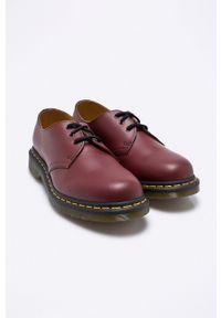 Dr. Martens - Dr Martens - Półbuty. Nosek buta: okrągły. Zapięcie: sznurówki. Kolor: czerwony. Materiał: skóra. Szerokość cholewki: normalna