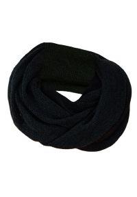 Czarny szalik Pako Jeans na jesień