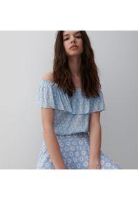 Reserved - Bluzka z odkrytymi ramionami - Niebieski. Kolor: niebieski