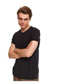 Szary t-shirt TOP SECRET casualowy, na co dzień, z aplikacjami, na jesień