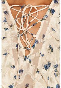 Kremowa bluzka Miss Sixty w kwiaty, z włoskim kołnierzykiem