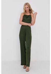Guess - Kombinezon. Kolor: zielony. Materiał: tkanina. Długość rękawa: na ramiączkach. Wzór: gładki