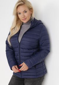 Born2be - Granatowa Kurtka Anarien. Kolekcja: plus size. Kolor: niebieski. Materiał: tkanina, jeans. Długość: krótkie