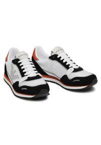Emporio Armani Sneakersy X4X537 XM678 Q093 Biały. Kolor: biały