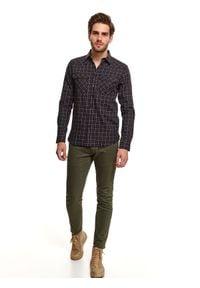 TOP SECRET - Koszula w kratę z kieszeniami. Kolor: niebieski. Materiał: materiał. Długość: długie. Sezon: zima. Styl: klasyczny