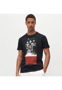 Reserved - Koszulka La casa de papel - Czarny. Kolor: czarny