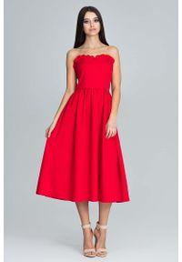 Czerwona sukienka z falbanami Figl z falbankami, wizytowa, gorsetowa, midi