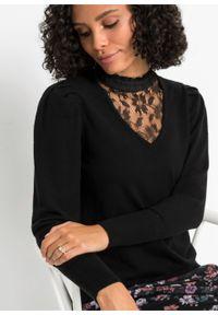 Sweter z koronkową wstawką bonprix czarny. Kolor: czarny. Materiał: koronka
