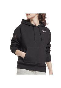 Reebok Identity Fleece Hoodie > GS9372. Okazja: na spacer. Materiał: bawełna, polar, poliester. Wzór: aplikacja. Styl: klasyczny
