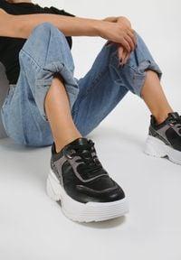 Renee - Czarne Sneakersy Cricketflight. Kolor: czarny