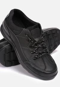 Czarne buty trekkingowe Born2be